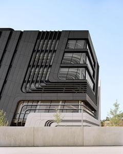 Platten-Fassadenverkleidung / Beton / glatt