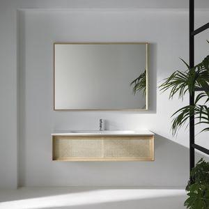klassischer Badezimmer-Schrank