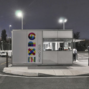 Toiletten-Kiosk / Metall