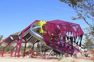 Spielplatzgerät für Spielplätze / für öffentliche Einrichtungen / Metall / modular