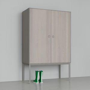 moderner Kleiderschrank / Massivholz / aus MDF / Schwingtüren
