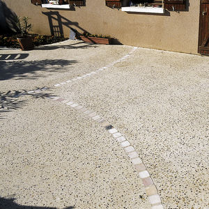 Beton-Bodenbelag / Innenbereich / für Außenbereich / Dekor