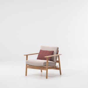 moderner Sessel / Stoff / aus Teakholz / mit abnehmbarem Kissen