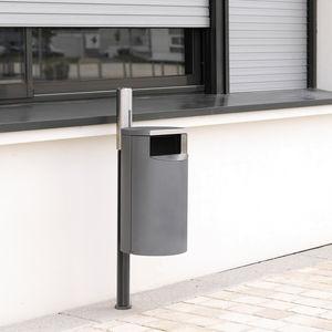 Park-Abfallbehälter / auf Beinen / Gusseisen / verzinkter Stahl