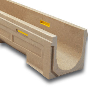 Polymerbeton-Abflussrinne / Gitter / mit Neigung / für Parkplätze