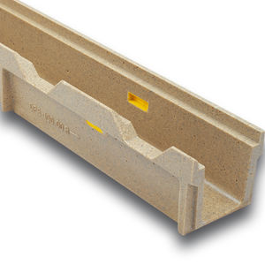 Abflussrinne für Sportplätze / Polymerbeton / Edelstahl / verzinkter Stahl