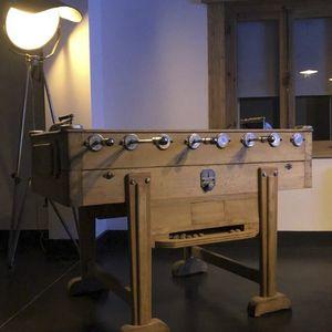 klassischer Tischfußball / Holz