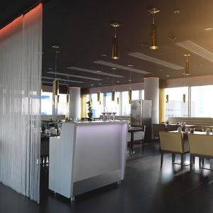 modulierbare Empfangstheke / Holzfurnier / für Bar / beleuchtet