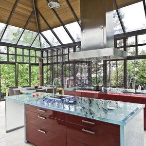 moderne Küche / Glas / Kochinsel / L-förmig