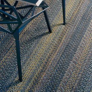 moderner Teppich / Streifenmuster / Polypropylen / rechteckig