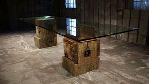 moderner Tisch / Glas / mit Fußgestell aus Holz / rechteckig