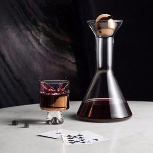 Glas-Dekantierkaraffe / Objektmöbel / Privatgebrauch
