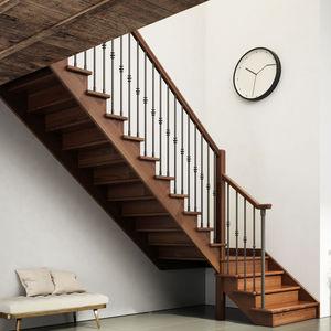gerade Treppe / viertelgewendelt / halbgewendelt / Holzrahmen