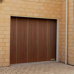 seitlich unterteilte Garagentore / Holz / automatisch