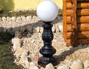 klassischer Leuchtpoller / Schmiedeeisen / LED