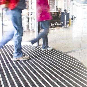 Eingangsmatte für öffentliche Einrichtungen / Aluminium / Polyamid / Schmutzfang