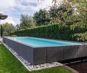 Platten-Schwimmbecken