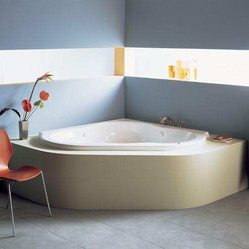 Badewanne für Eckeinbau / aus Acryl / Massage