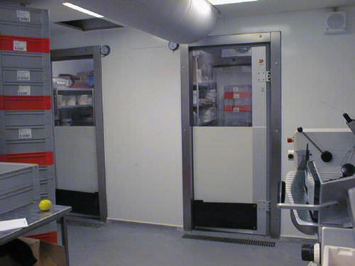 einflügeliges Industrietor / Polycarbonat / automatisch / für die Lebensmittelindustrie