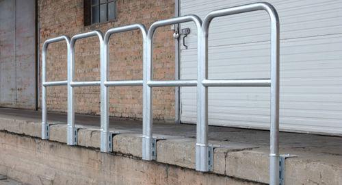 Geländer / verzinkter Stahl / Stangen / Außenbereich / für Plattform