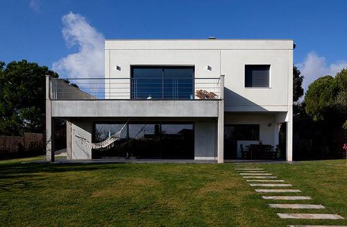 Fertigbauhaus / modern / Beton / Öko