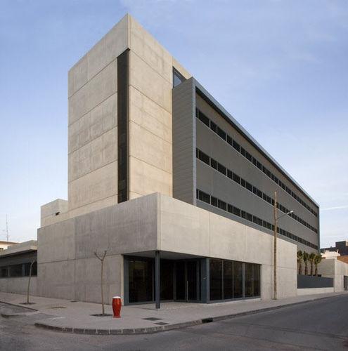 Fertigbau-Gebäude / Beton / für Krankenhäuser / modern