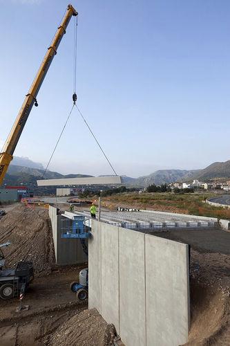Stahlbeton-Stützmauer / Modulare / Fertigbau / für Brückenbau