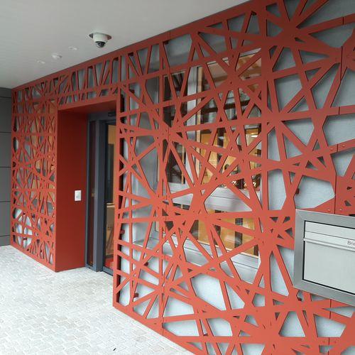 Hinterlüftete Fassade / HPL