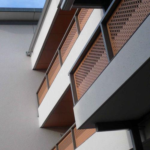 Holzfasergeländer / Platten / Außenbereich / für Balkon