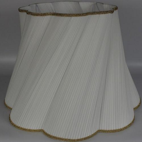 klassischer Lampenschirm / Stoff