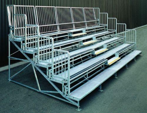 Fertigbau-Sitztribüne / verzinkter Stahl
