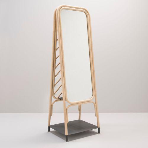 bodenstehender Spiegel