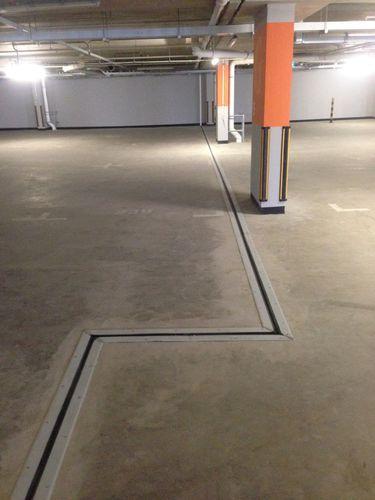 Aluminium-Dehnungsfuge / Edelstahl / für Parkplätze / befahrbar