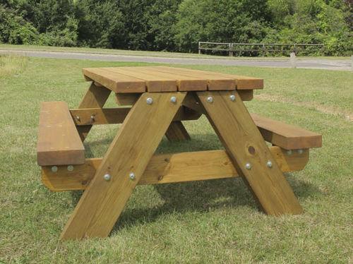 klassischer Picknicktisch / Holz / rechteckig / für öffentliche Bereiche