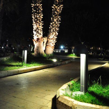 moderner Leuchtpoller / Edelstahl / Aluminiumguss / LED