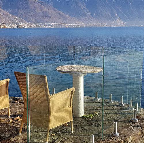 Glasplatten-Geländer