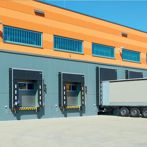 sektionales Industrietor / Stahl / automatisch / wärmeisoliert