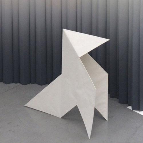 Karton-Skulptur