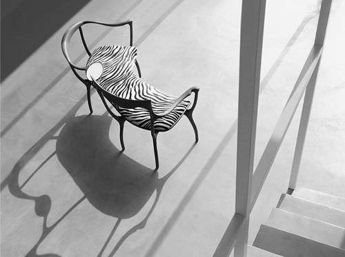 Bank / organisches Design / aus Nussbaum / mit Rückenlehne