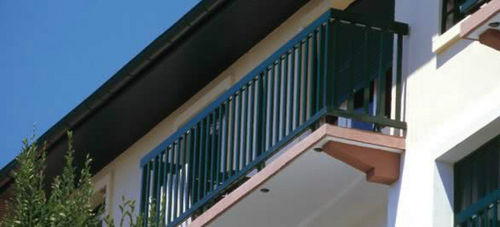 Aluminium-Geländer / mit Stangen / Außenbereich / für Treppen