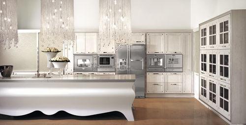 moderne Küche / Massivholz / lackiertes Holz / Marmor