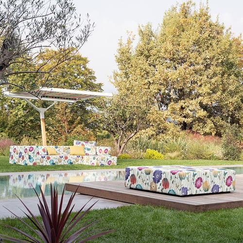 Möbelstoff / Streifenmuster / Blumenmotive / für den Außenbereich
