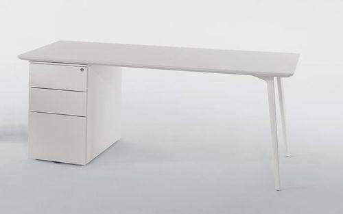 MDF-Schreibtisch / Aluminium / modern / Objektmöbel