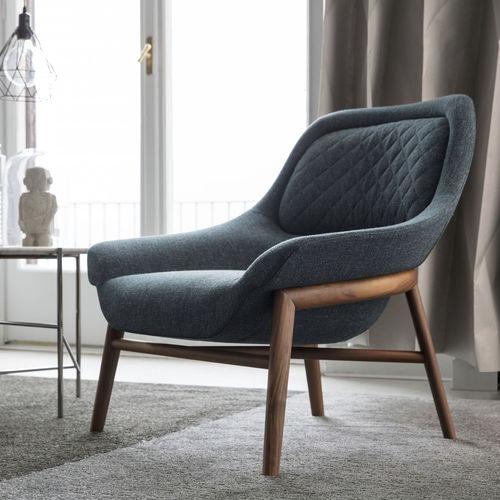 moderner Sessel / Stoff / aus Nussbaum / nach Maß