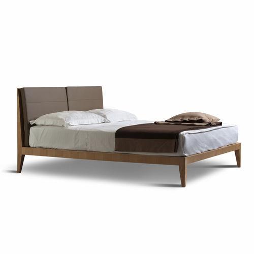 Doppelbett / modern / gepolstertes Kopfteil / Stoff