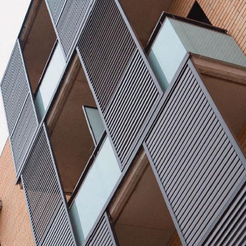 einflügeliger Fensterladen / Schiebe / faltbar / feststehend