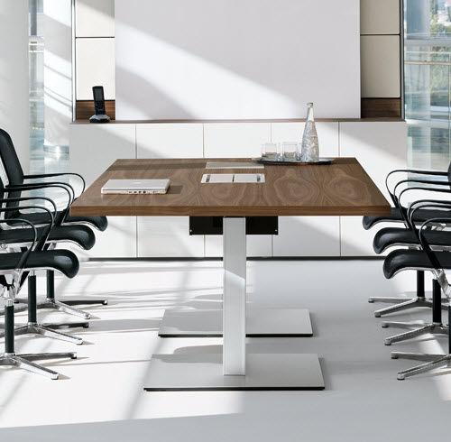 moderner Besprechungstisch / Holz / rechteckig / oval