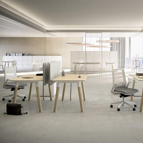Schreibtisch für Open Space / aus Eiche / aus Buche / modern