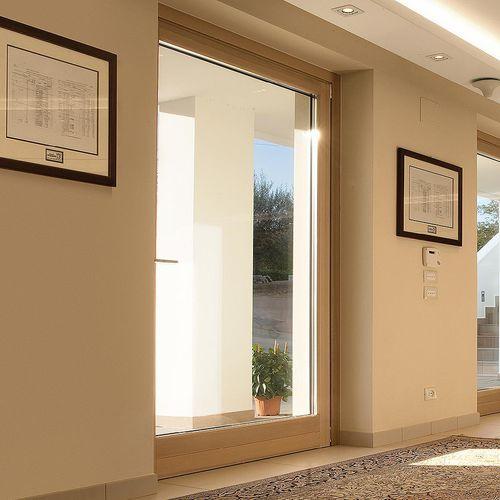 einflügelige Fenstertür / Holz / Aluminium / mit integrierten Jalousien