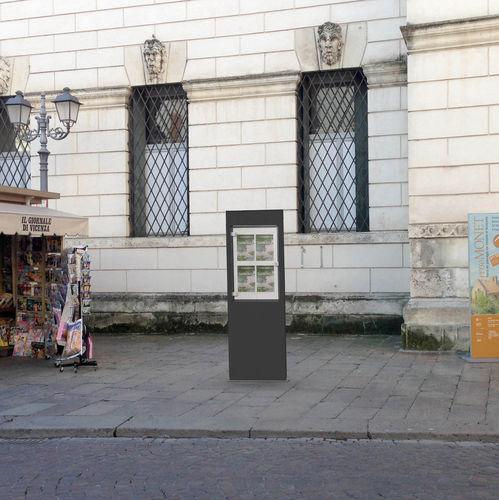 Werbungs-Stele / für öffentliche Bereiche